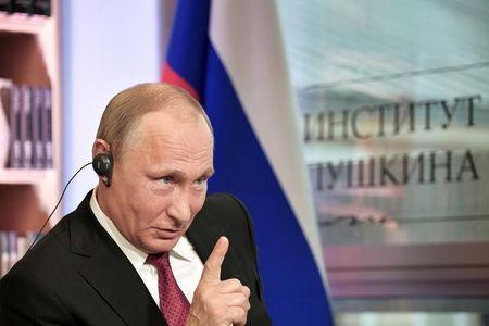 Putin: L'Occidente inventa minacce allo scopo di minacciare