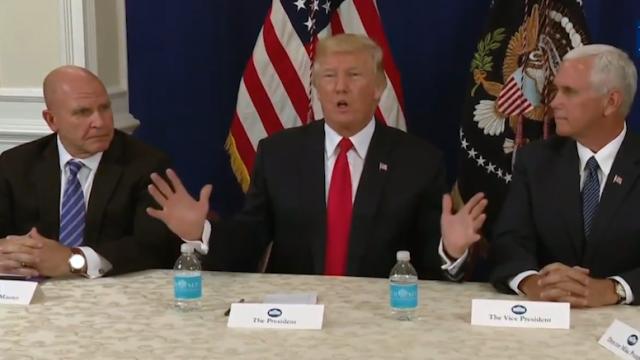 No Comment 11.08.17 – Trump vorrebbe de-nuclearizzare il pianeta