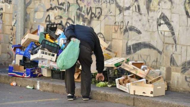 La nuova povertà