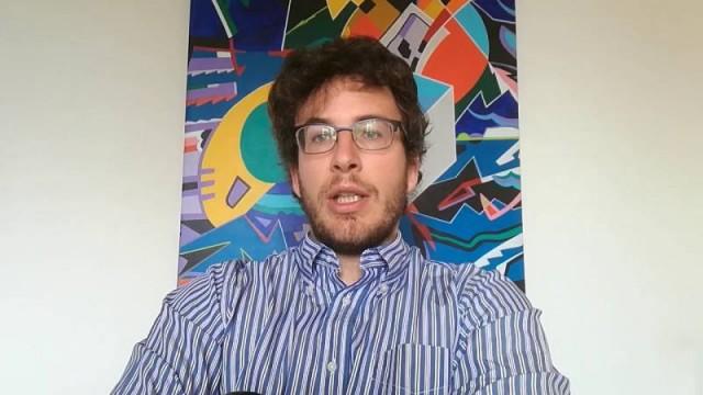 """Diego Fusaro: """"Il capitale distrugge ambiente, natura, animali"""""""