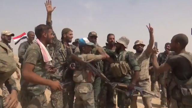 PTV News Speciale – L'esercito siriano rompe l'assedio dell'ISIS a Deil ez-Zor – Immagini dal fronte