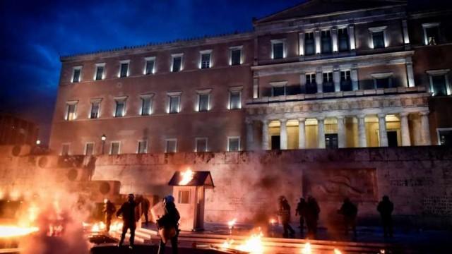 PTV news 19 Maggio 2017 – Grecia: La sconfitta del capitalismo europeo