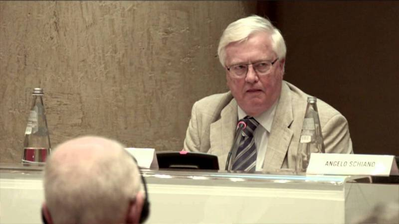 La strada per Parigi – intervento di  Martin Lees al Rome Symposium
