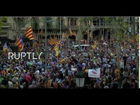 [LIVE] Barcellona in piazza dopo la revoca dell'autonomia