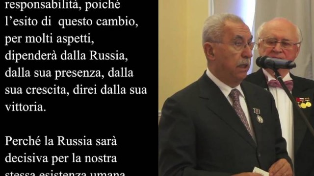 Mosca – Giulietto Chiesa riceve il premio Bunin